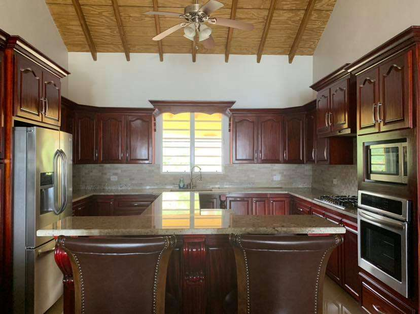 dinning room of three bedroom home in fort hill tortola bvi re/max best priced properties